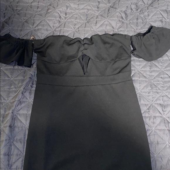 Lack off the shoulder dress